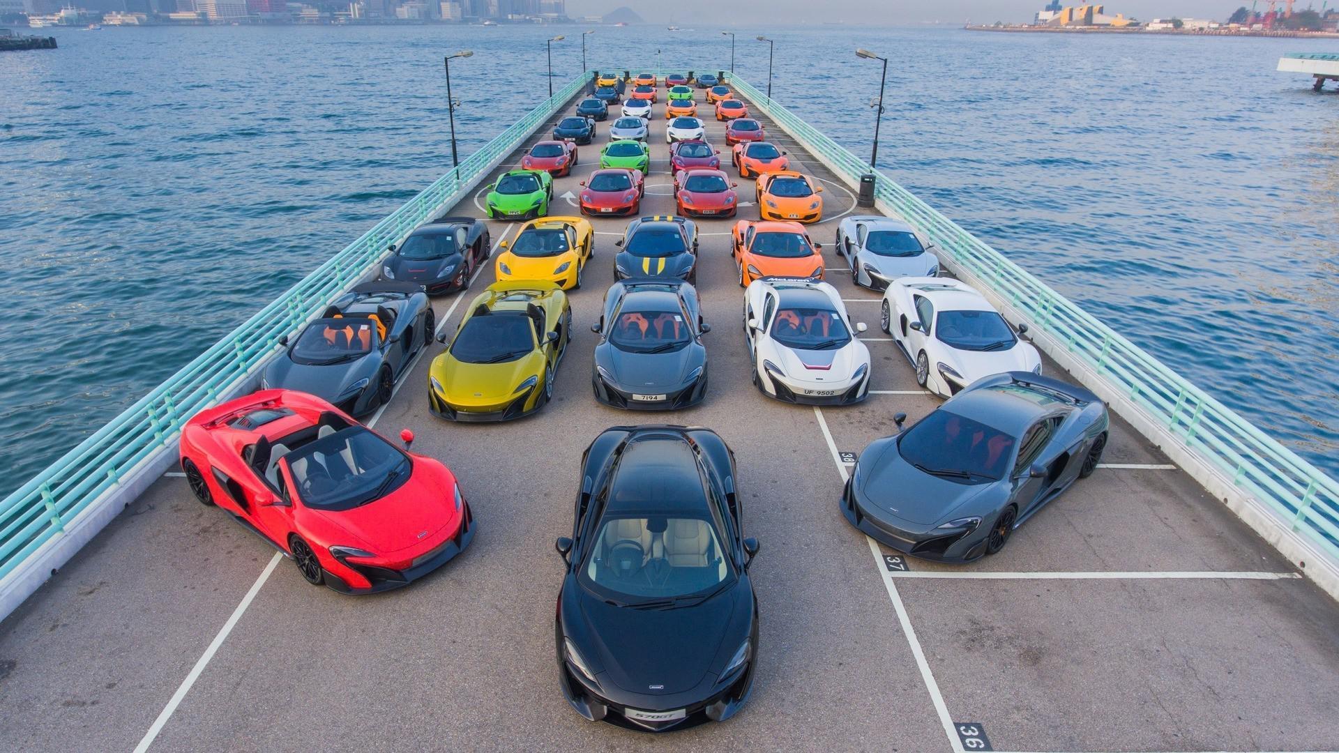 50 McLaren colorées se réunissent pour la nouvelle année à Hong-Kong !