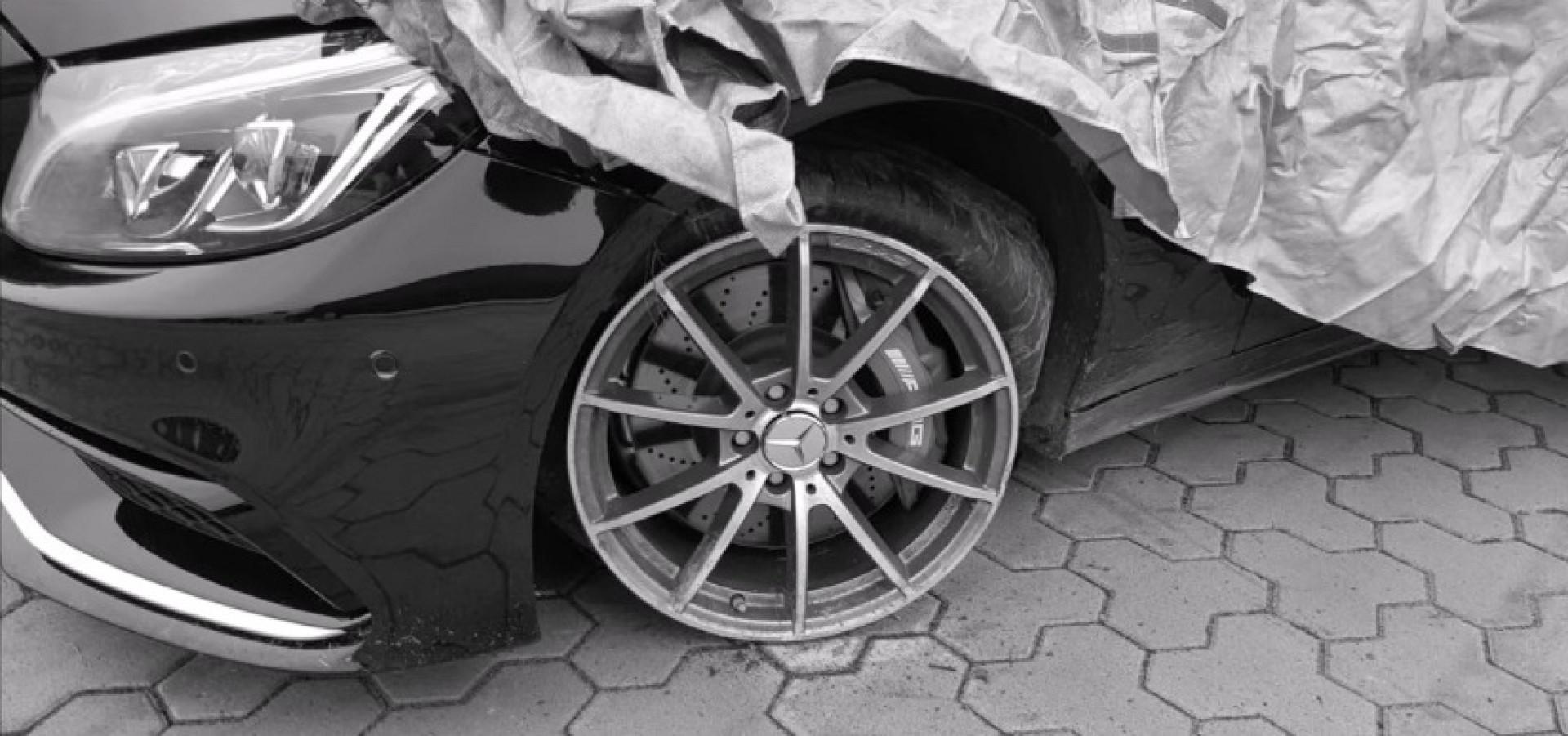 Une glisse ratée : Il détruit sa Mercedes-AMG C 63S en essayant de drifter !