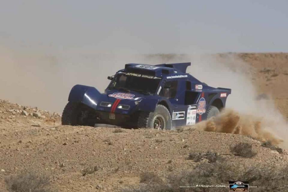 africa-eco-race-2017-d-agoshkov-moto-et-t-magnaldi-auto-vainqueurs-du-jour-130-2.jpg