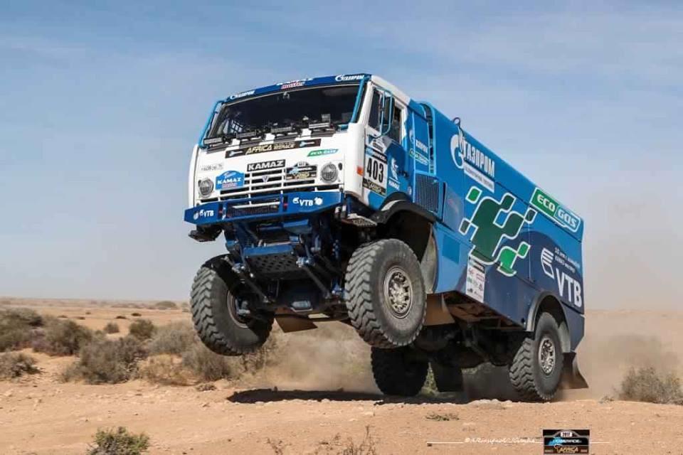 africa-eco-race-2017-d-agoshkov-moto-et-t-magnaldi-auto-vainqueurs-du-jour-130-4.jpg