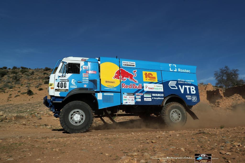 africa-eco-race-2017-vasilyev-prend-les-commandes-serradori-malchanceux-123-4.jpg
