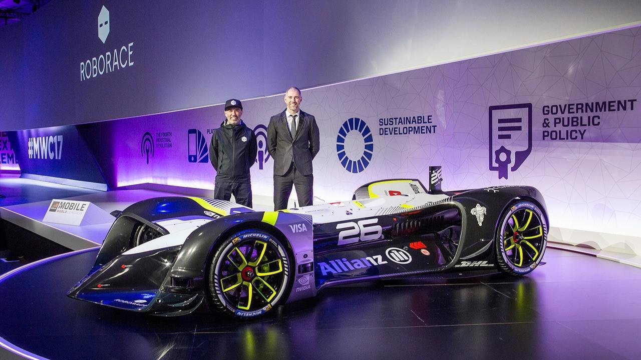 robocar-la-premiere-voiture-de-course-autonome-de-roborace-255-1.jpg
