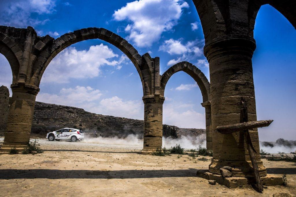 nasser-al-attiyah-gagne-le-rallye-de-chypre-et-10-000-pour-avoir-remporte-la-love-cyprus-golden-stage-348-4.jpg