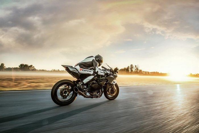 connaissez-vous-les-motos-les-plus-puissantes-368-10.jpg