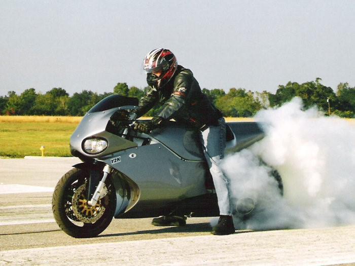 connaissez-vous-les-motos-les-plus-puissantes-368-12.jpg