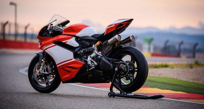 connaissez-vous-les-motos-les-plus-puissantes-368-51.jpg