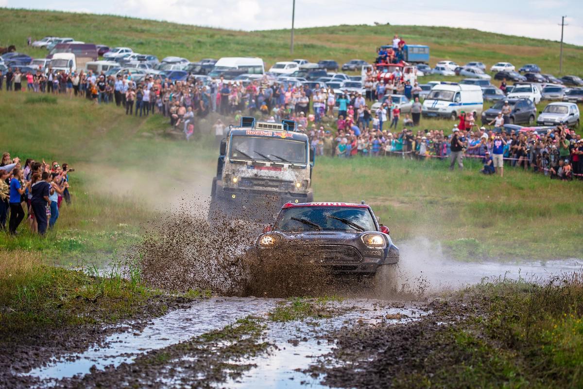 sebastien-loeb-signe-sa-seconde-victoire-d-etape-au-silkway-rally-2017-366-3.jpg