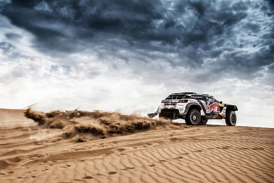 silkway-rally-sebastien-loeb-perd-la-tete-de-la-course-375-1.jpg