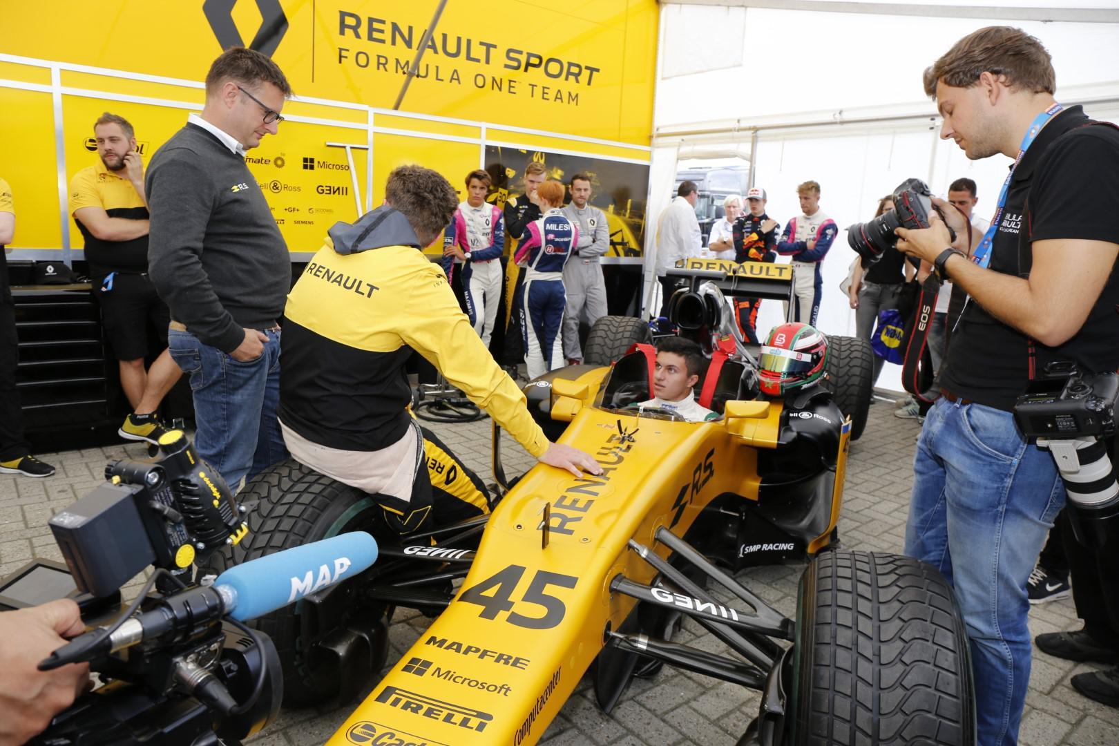 michael-benyahia-integre-le-top-3-du-championnat-nec-formule-renault-2-0-398-4.jpg