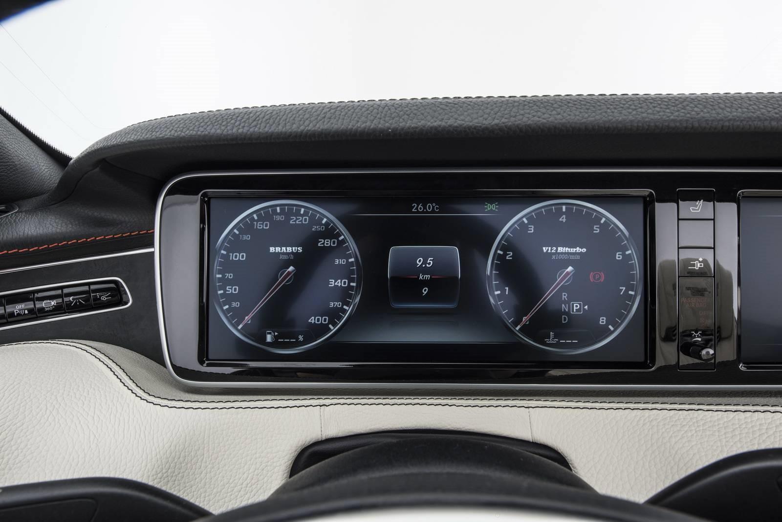 le-cabriolet-4-places-le-plus-puissant-et-le-plus-rapide-au-monde-brabus-rocket-900-cabriolet-411-9.jpg