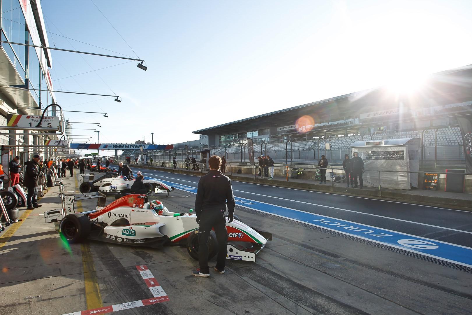 michael-benyahia-round-5-amp-6-championnat-nec-formule-renault-2-0-422-1.jpg