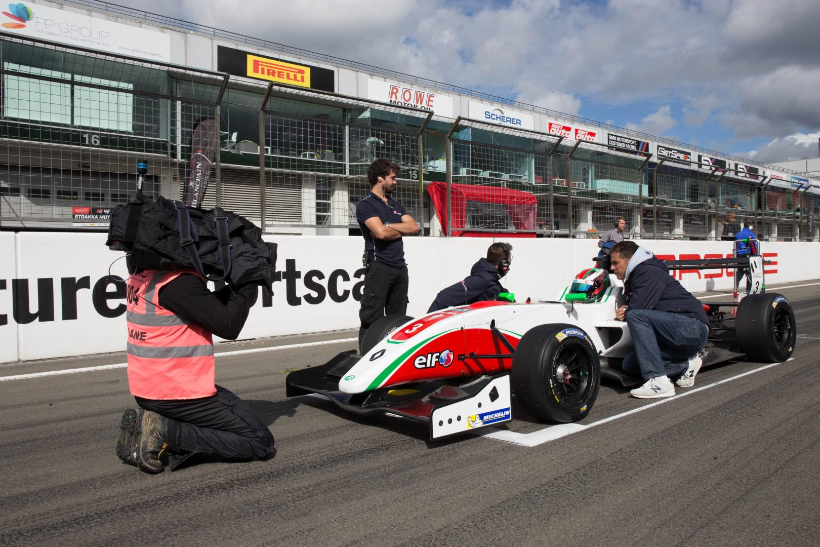 michael-benyahia-round-5-amp-6-championnat-nec-formule-renault-2-0-422-3.jpg