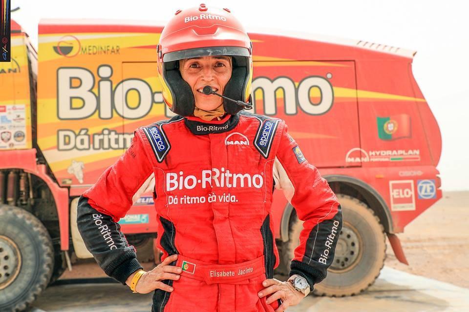 elisabete-jacinto-aussi-fidele-au-maroc-qu-a-son-camion-man-430-3.jpg