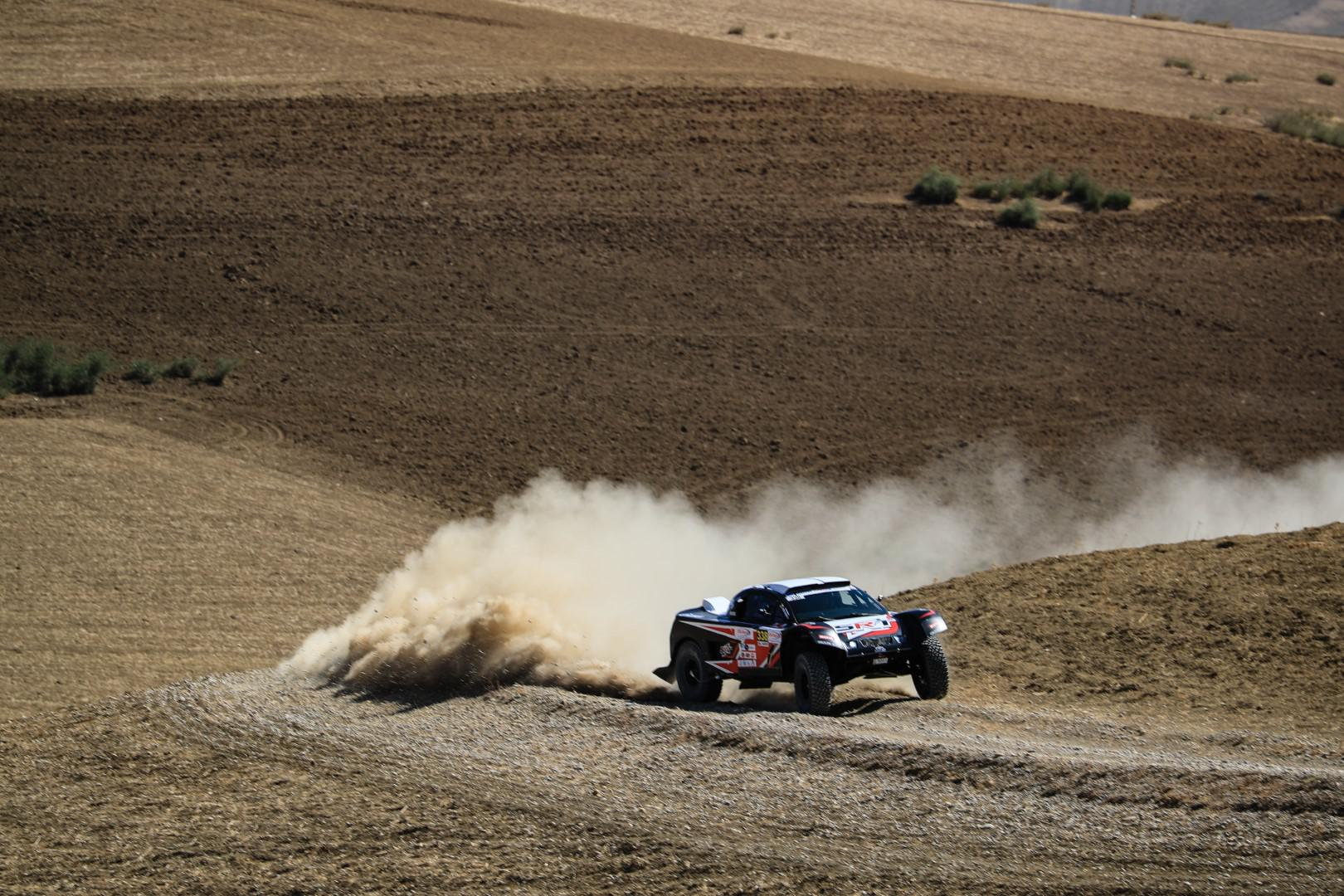 serradori-racing-team-rallye-oilibya-du-maroc-a-une-seconde-de-loeb-433-1.jpg