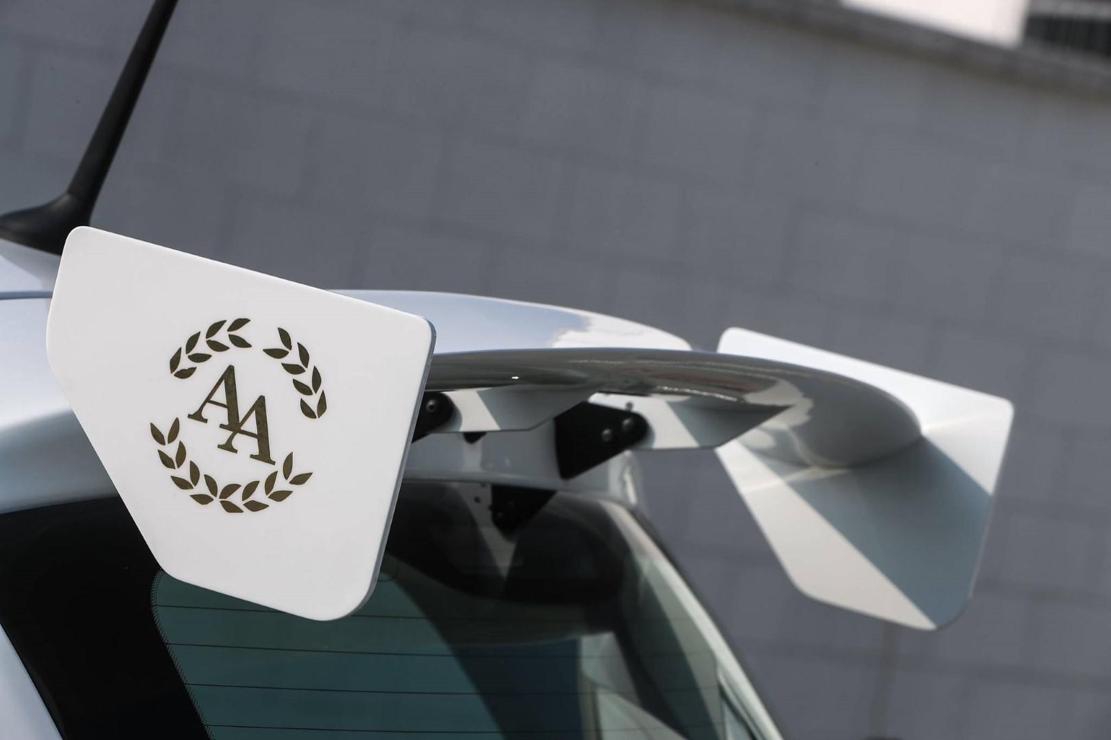 abarth-cinquone-qatar-pour-les-pilotes-tres-bling-bling-508-6.jpg