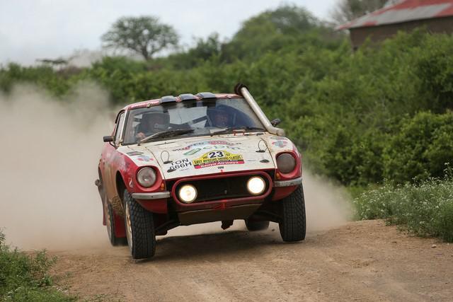 tundo-et-jackson-partagent-la-victoire-du-rallye-safari-classique-2017-478-11.jpg