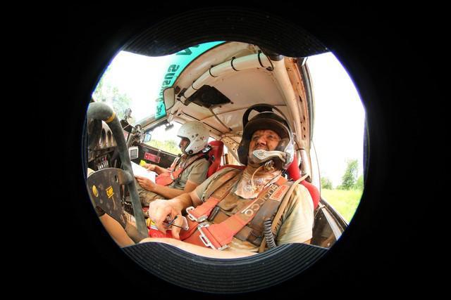 tundo-et-jackson-partagent-la-victoire-du-rallye-safari-classique-2017-478-13.jpg