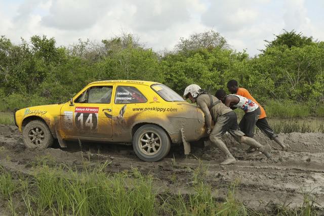 tundo-et-jackson-partagent-la-victoire-du-rallye-safari-classique-2017-478-9.jpg