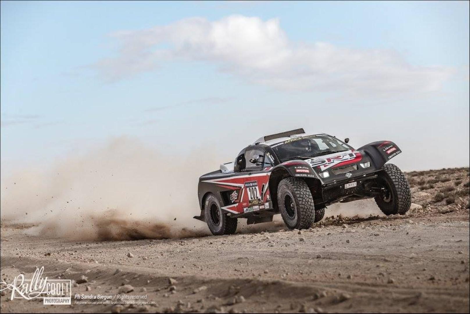 Africa Eco Race 2018 : Le rallye change de pays, Serradori change de rythme.
