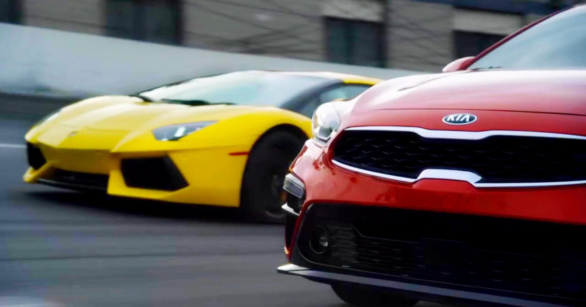 Kia qui compare sa nouvelle Forte à… la Lamborghini Aventador