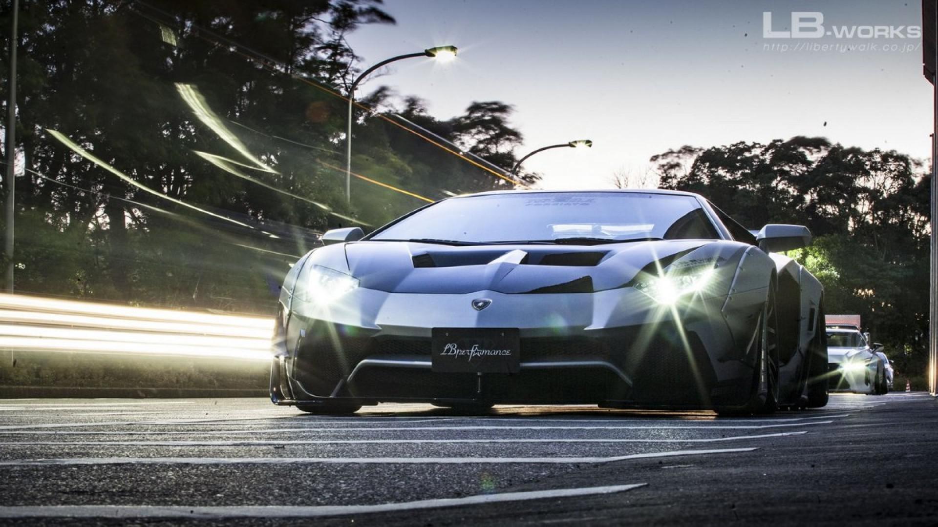 Agressive Lamborghini Aventador par Liberty Walk