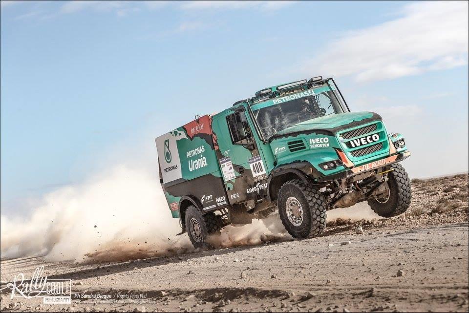 africa-eco-race-2018-le-rallye-change-de-pays-serradori-change-de-rythme-552-2.jpg