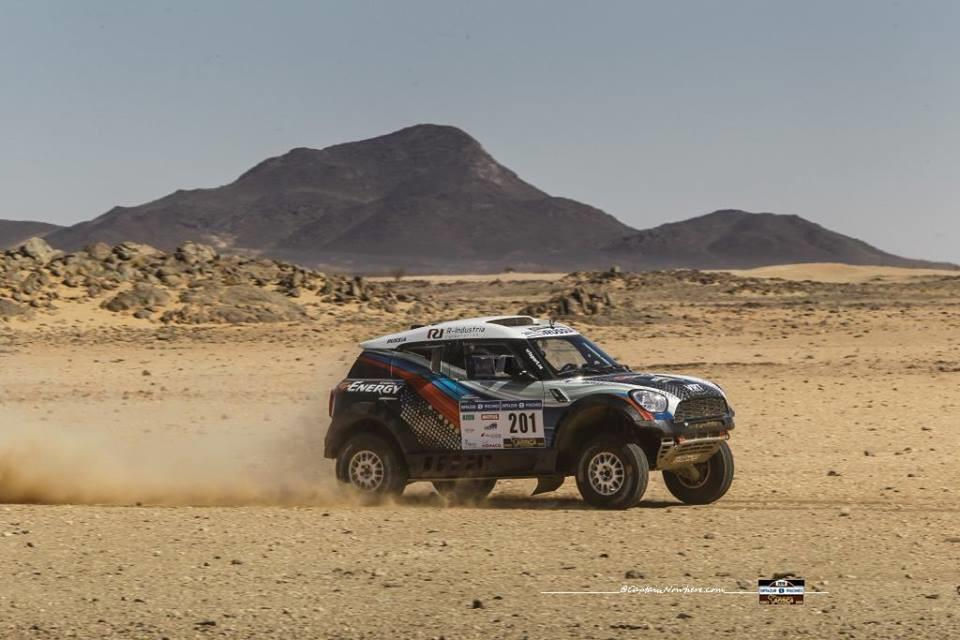 africa-eco-race-2018-matthieu-serradori-leader-du-rallye-573-1.jpg