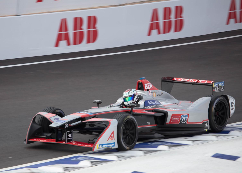 le-pilote-marocain-benyahia-dernier-lors-des-rookies-test-de-formula-e-a-marrakech-590-2.jpg
