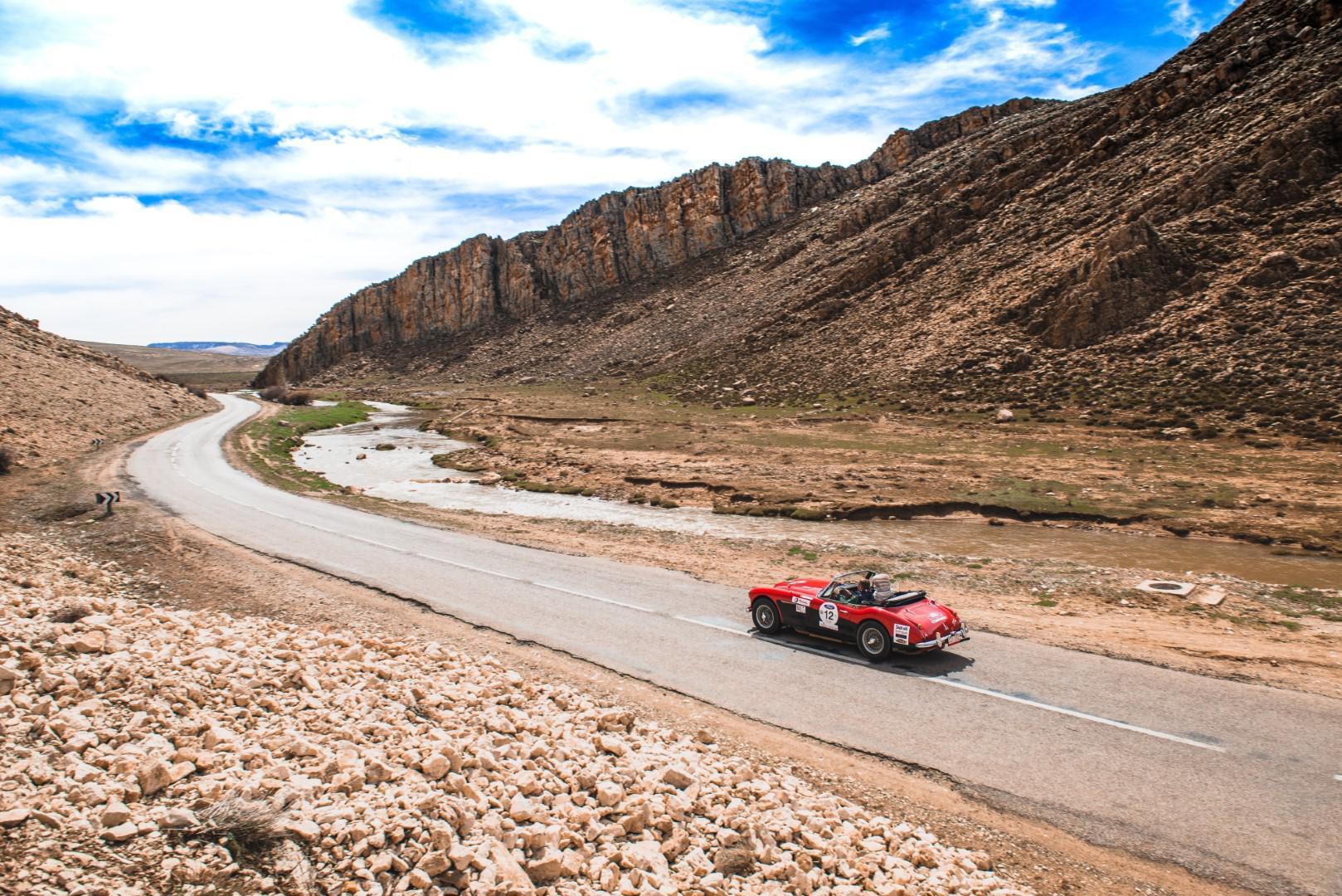 victoire-marocaine-pour-le-25eme-anniversaire-du-rallye-maroc-classic-680-12.jpg