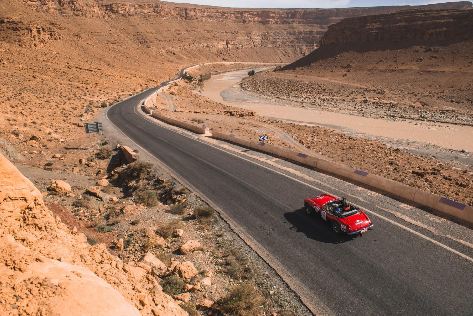 victoire-marocaine-pour-le-25eme-anniversaire-du-rallye-maroc-classic-680-17.jpg