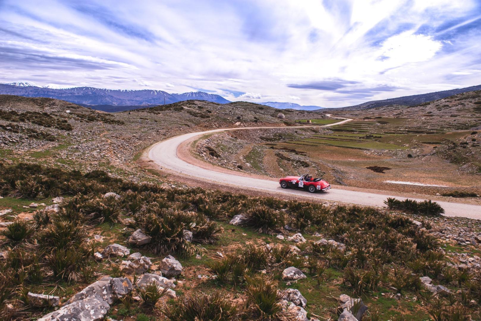 victoire-marocaine-pour-le-25eme-anniversaire-du-rallye-maroc-classic-680-7.jpg
