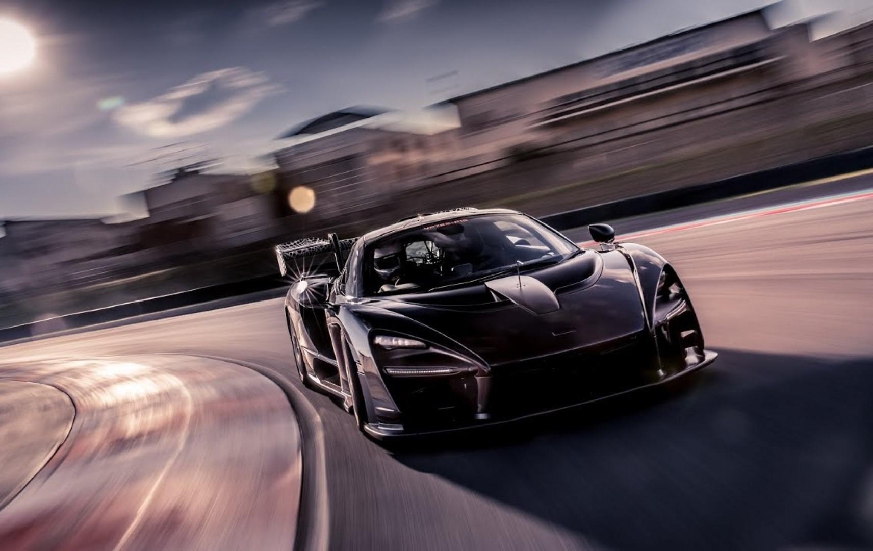 Vidéo McLaren : Le nouveau fleuron de sa gamme Ultimate Series sur le circuit sud-africain de Kyalami.