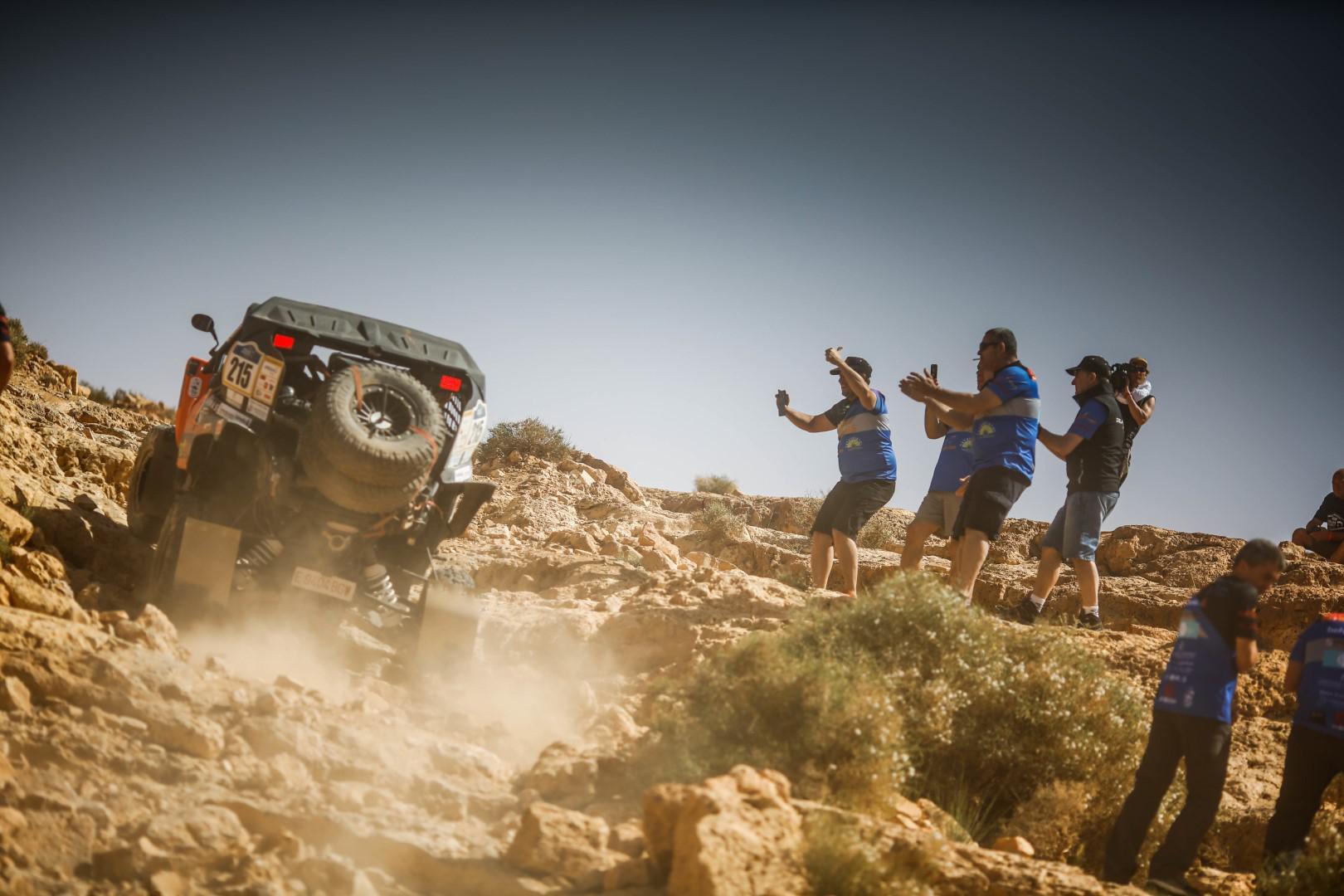 afriquia-merzouga-rally-la-surprise-botturi-752-2.jpg