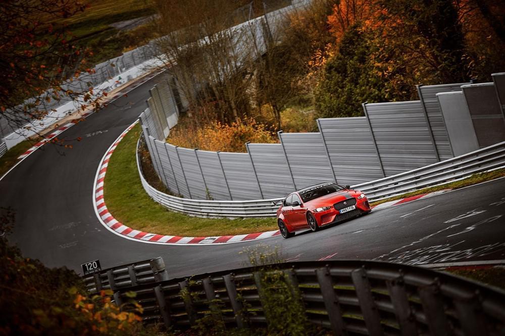 jaguar-xe-sv-project-8-300-exemplaires-de-la-berline-la-plus-rapide-jamais-realisee-par-jaguar-verront-le-jour-765-1.jpg