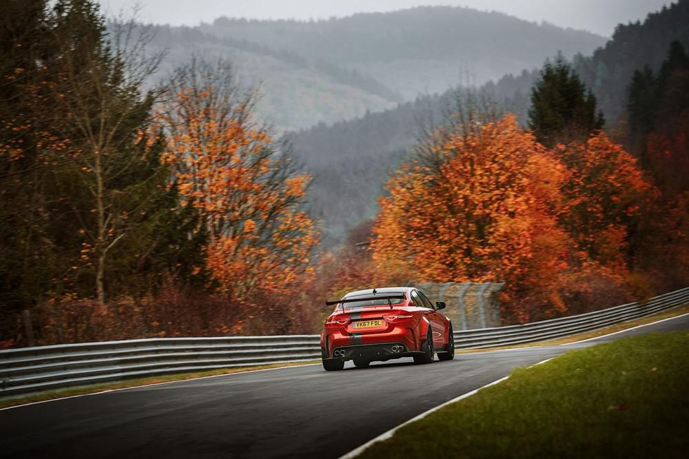 jaguar-xe-sv-project-8-300-exemplaires-de-la-berline-la-plus-rapide-jamais-realisee-par-jaguar-verront-le-jour-765-5.jpg