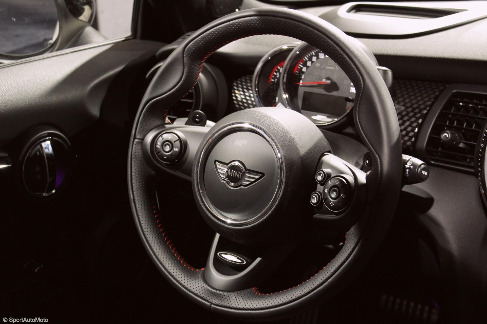 les-voitures-de-sports-de-l-auto-expo-750-42.jpg