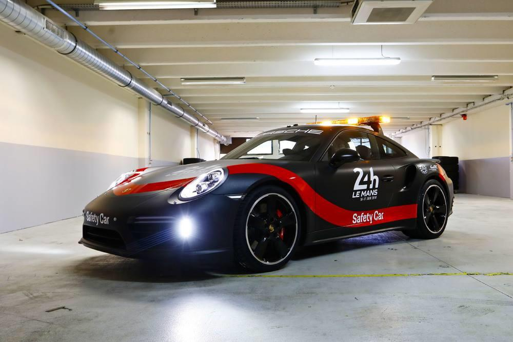 porsche-911-turbo-safety-car-du-fia-wec-et-des-24-heures-du-mans-jusqu-en-2020-733-3.jpg