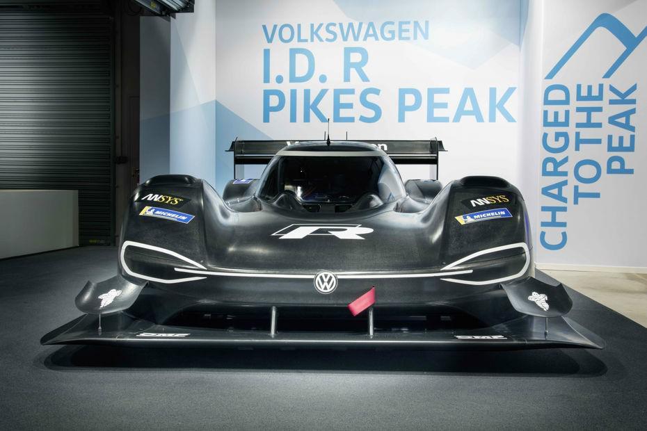 volkswagen-a-devoile-son-vehicule-de-course-electrique-i-d-r-pikes-peak-de-680-ch-758-1.jpg