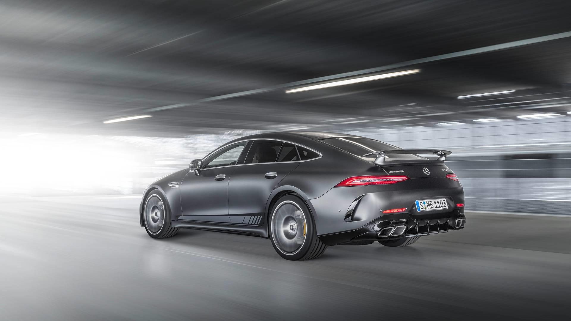 une-version-tres-exclusive-mercedes-amg-gt-63-s-coupe-edition-1-780-1.jpg