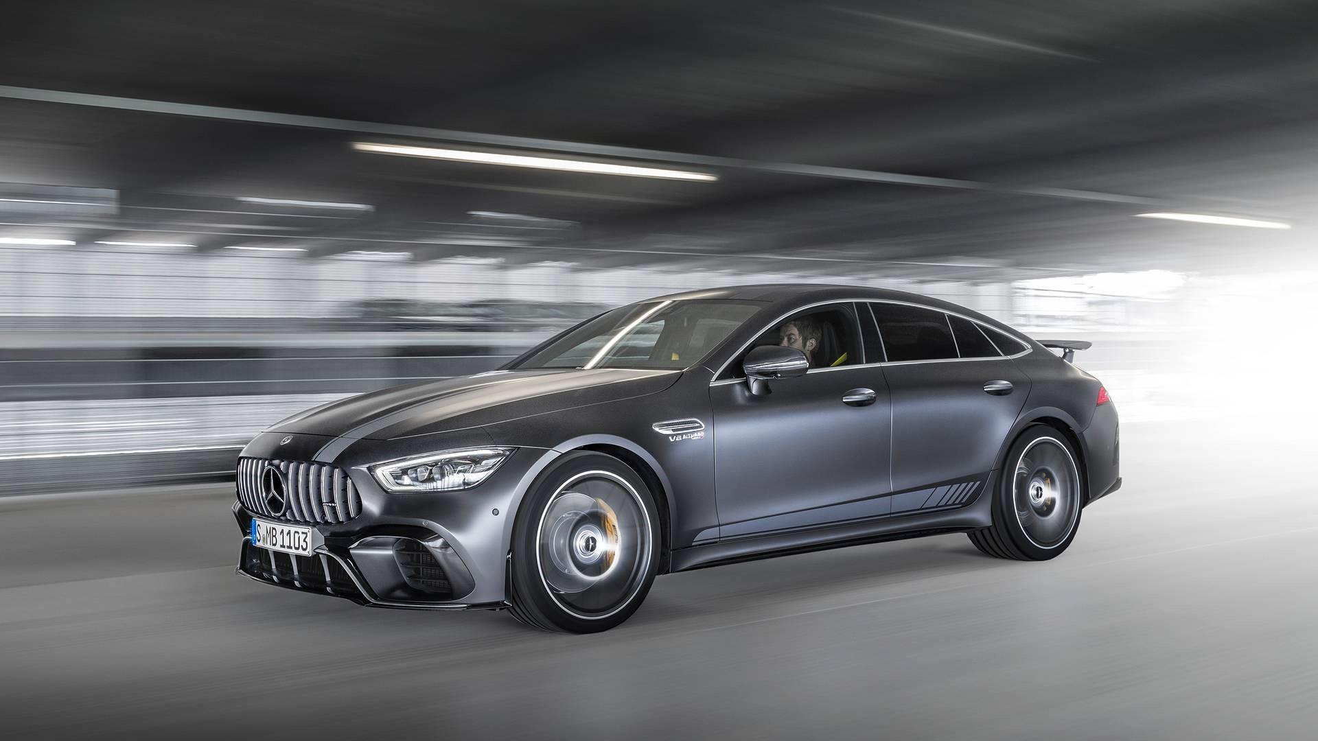 une-version-tres-exclusive-mercedes-amg-gt-63-s-coupe-edition-1-780-2.jpg