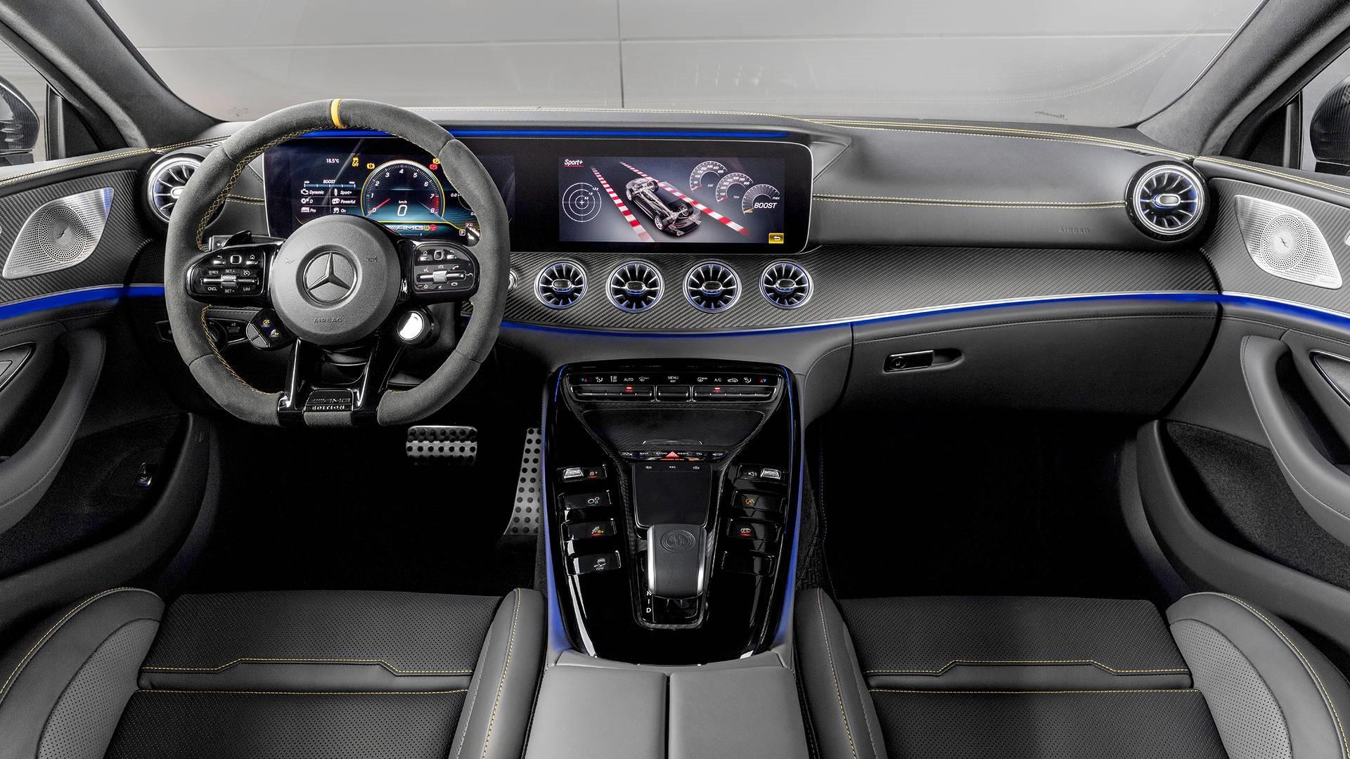 une-version-tres-exclusive-mercedes-amg-gt-63-s-coupe-edition-1-780-3.jpg