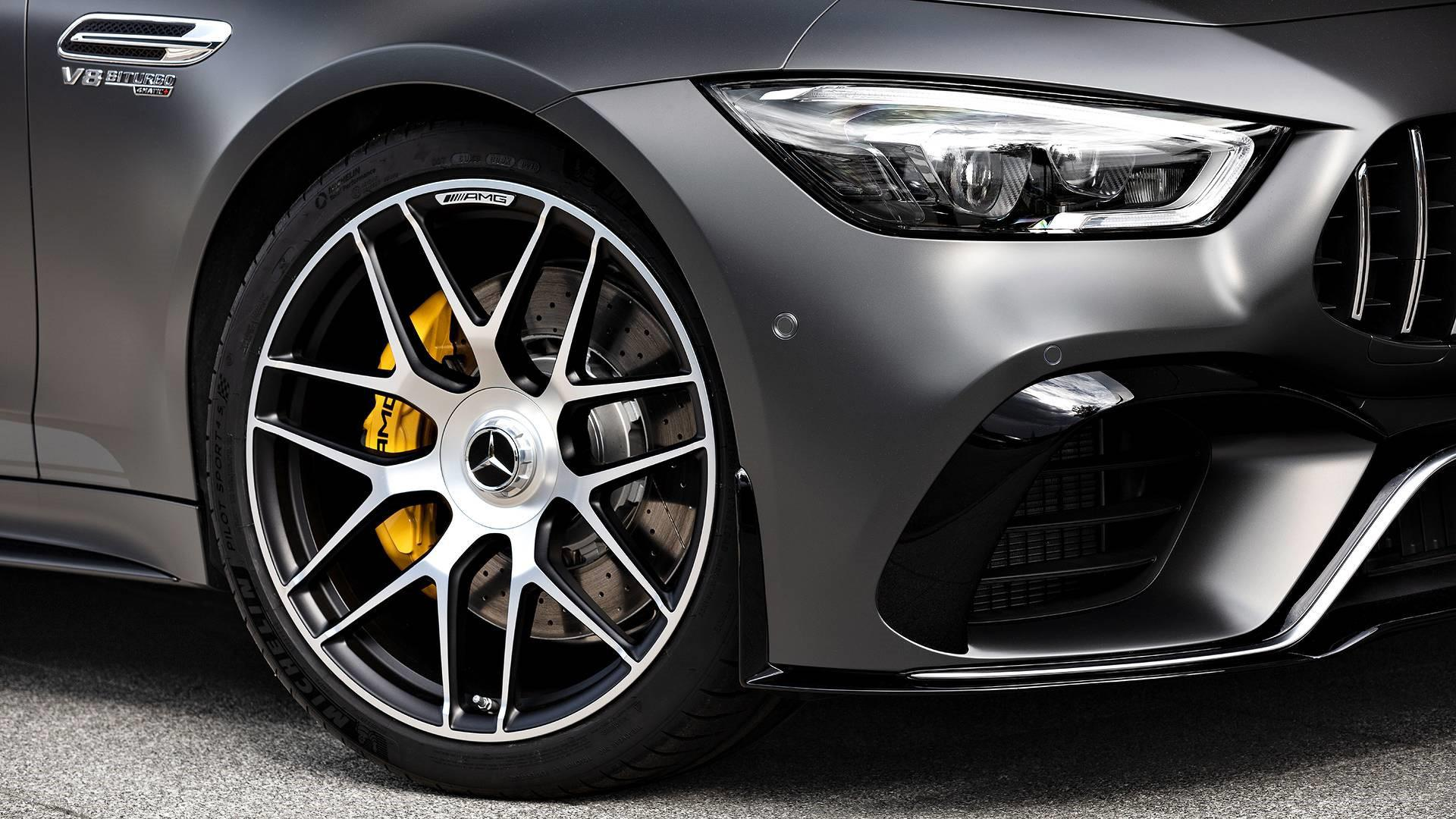une-version-tres-exclusive-mercedes-amg-gt-63-s-coupe-edition-1-780-6.jpg