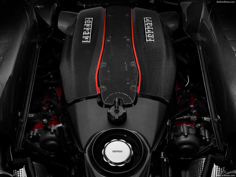 le-bloc-v8-ferrari-de-nouveau-elu-moteur-de-l-annee-812-1.jpg