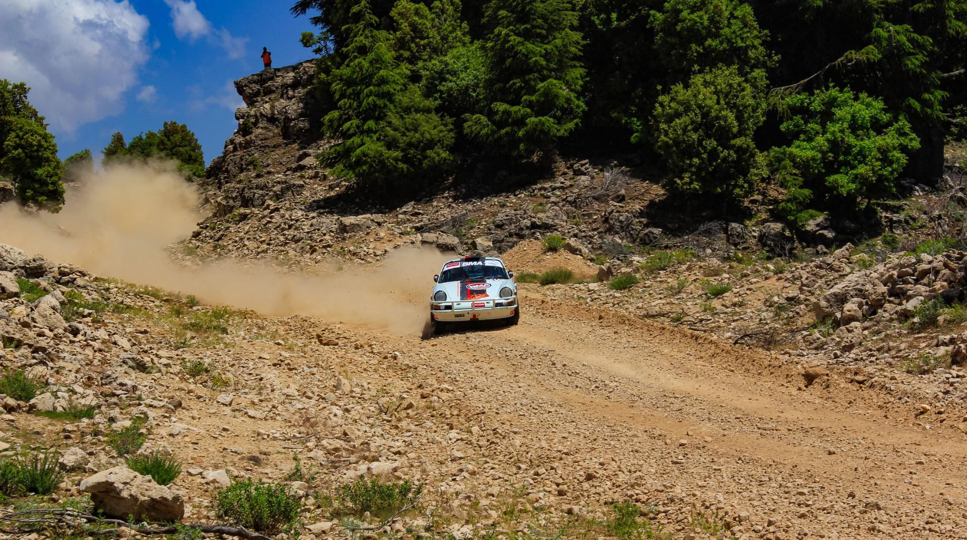 maroc-historic-rally-mhr-2018-deveza-remonte-sur-oreille-825-2.jpg
