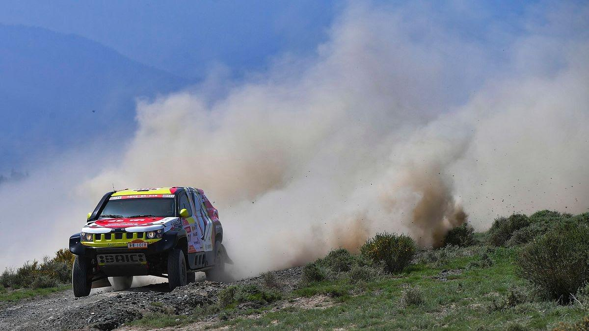 taklimakan-rally-2018-christian-lavieille-remporte-le-prologue-806-1.jpg