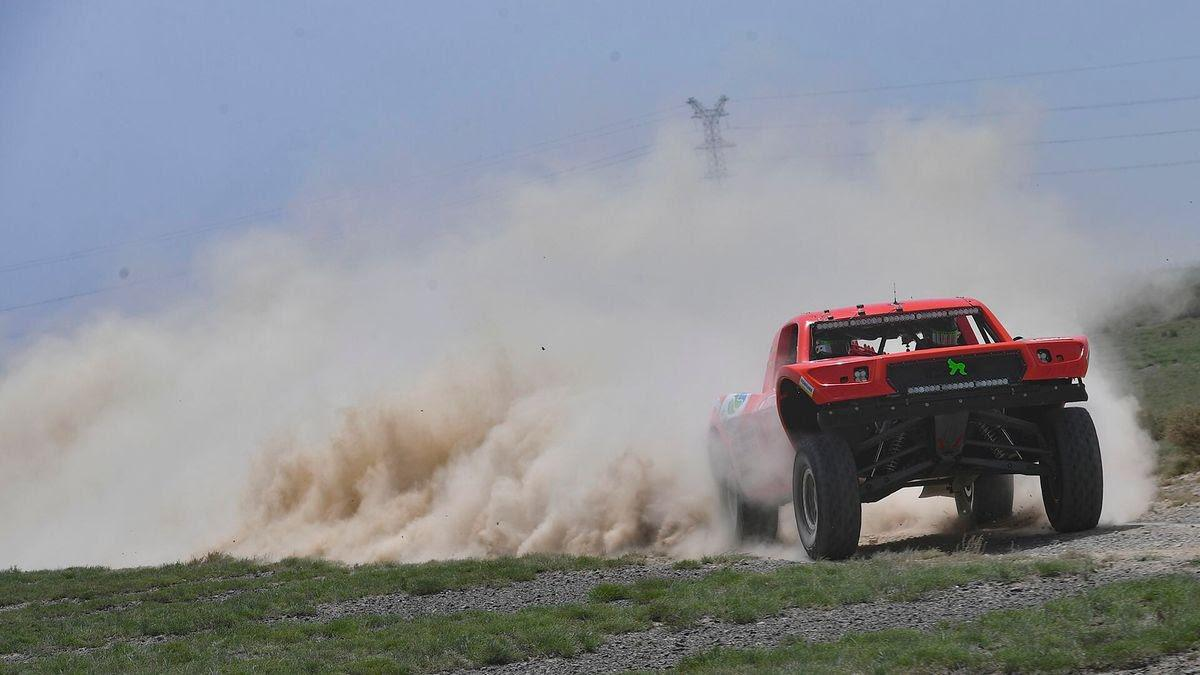 taklimakan-rally-2018-christian-lavieille-remporte-le-prologue-806-2.jpg