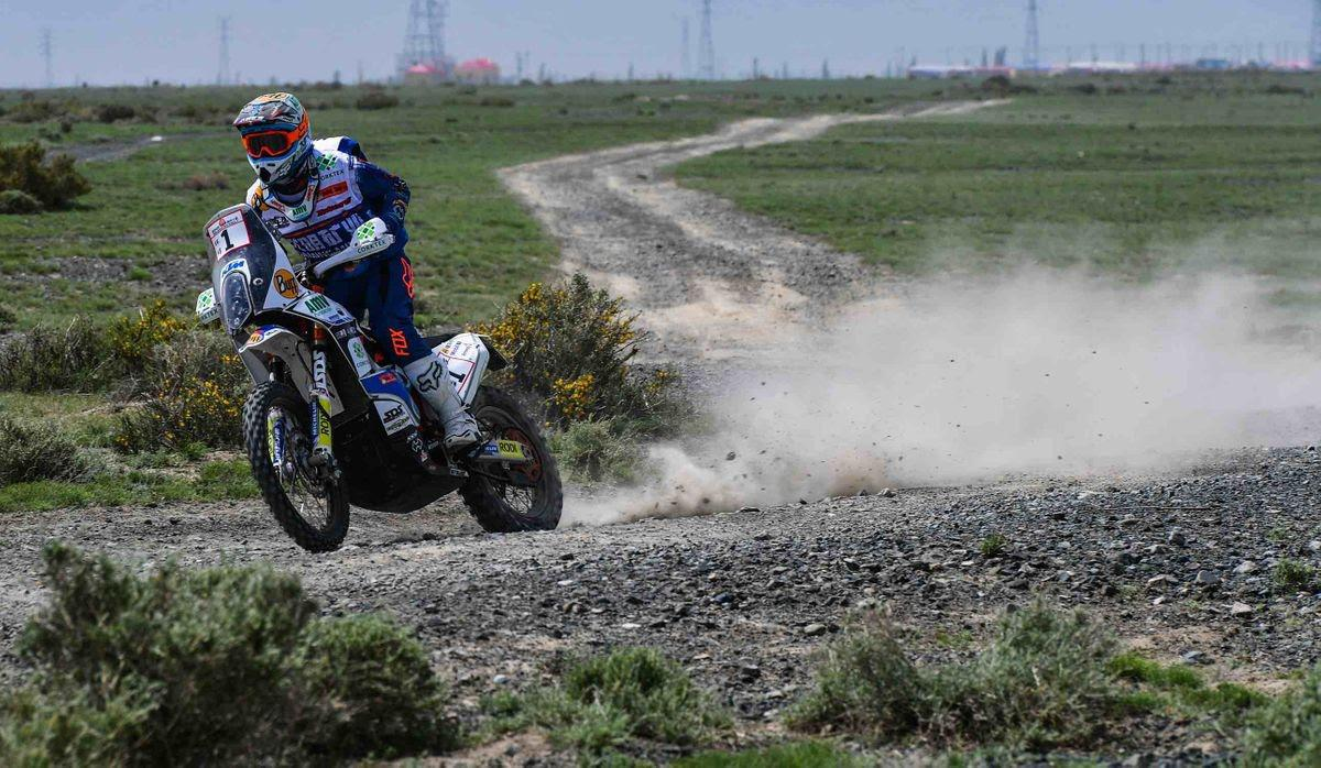 taklimakan-rally-2018-christian-lavieille-remporte-le-prologue-806-3.jpg