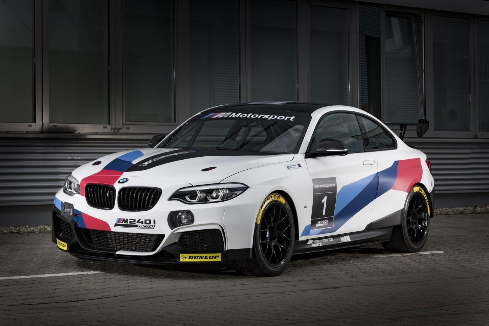BMW M235i Racing Cup: Pack Evo