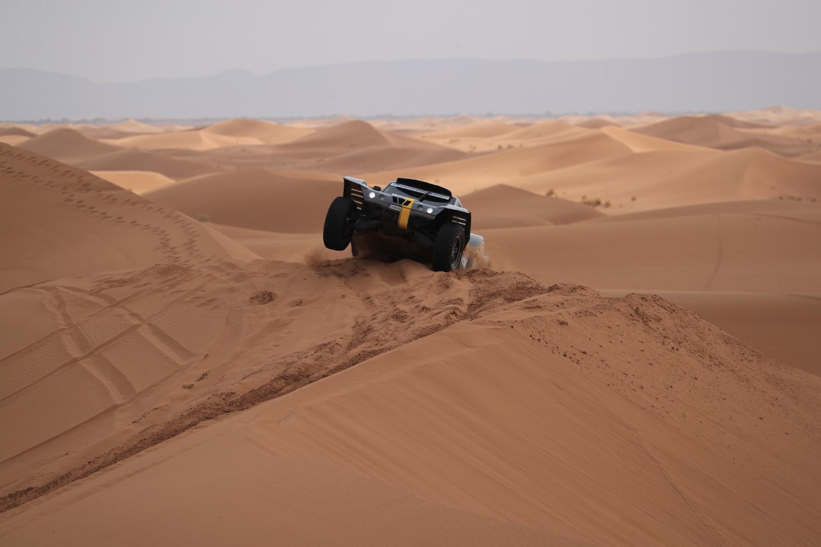 l-equipe-objectif-dunes-de-l-aeronautique-au-desert-878-4.jpg