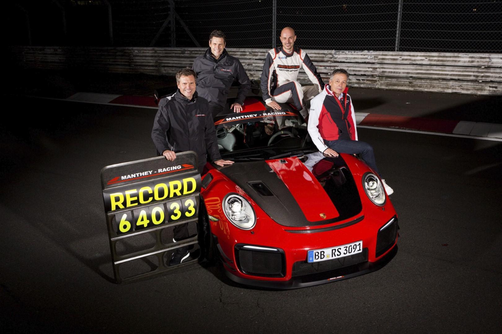 Vidéo: Porsche 911 GT2 RS MR la nouvelle reine du Ring du Nürburgring